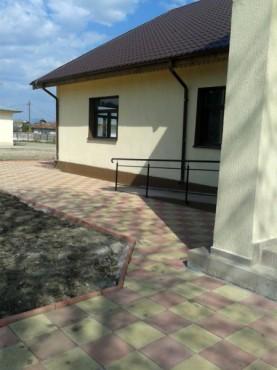 Dale din beton - Combinatie de rosu deschis cu alb CONSTRUCTII MILLENIUM - Poza 2