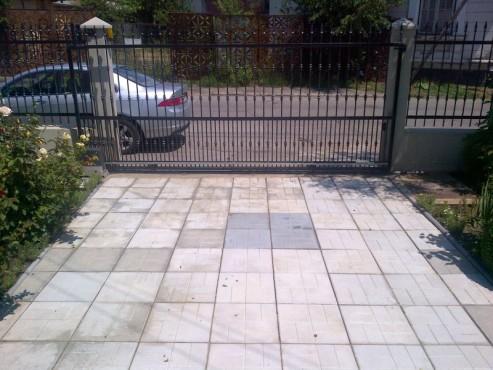 Exemple de utilizare Dale din beton - Combinatie de gri inchis cu gri deschis CONSTRUCTII MILLENIUM - Poza 3