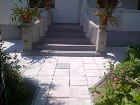 Dale din beton - Combinatie de gri inchis cu gri deschis CONSTRUCTII MILLENIUM - Poza 4
