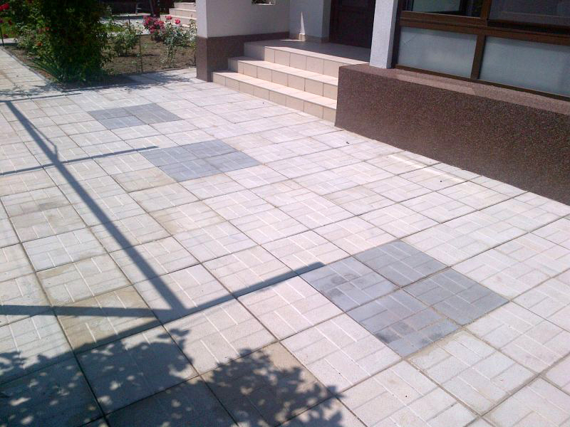 Dale din beton - Combinatie de gri inchis cu gri deschis CONSTRUCTII MILLENIUM - Poza 5