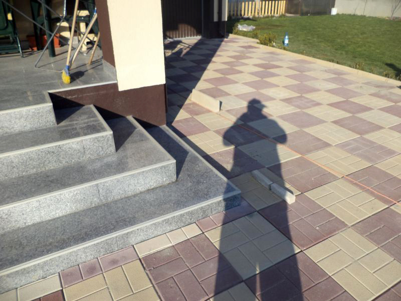 Dale din beton - Combinatie de maro cu crem CONSTRUCTII MILLENIUM - Poza 2