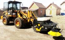 Atasamente pentru utilaje Echipa Unilift in parteneriat cu firma KOVACO, aduce in Romania echipamente si atasamente pentru utilaje, folosite in principal in lucrari de excavare, indepartarea zapezii sau manipularea unor sarcini grele.
