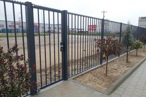 Porti de acces pietonale Poarta pietonala HERAS cu aplicatii in zonele care necesita un grad ridicat de siguranta, de asemenea, poate fi echipata cu solutii de control acces.