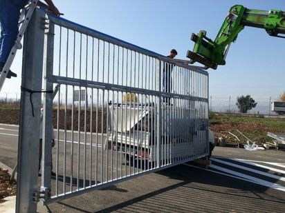 Porti de acces batante instalare Porti de acces batante