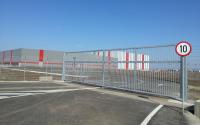 Porti de acces batante Portile batante HERAS au aplicatii in zonele care necesita un grad ridicat de siguranta. In special prin detaliile constructive inteligente, poarta EURO este una dintre cele mai sigure dintre toate.