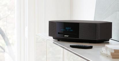 Sistem audio Wave Music System IV - negru, pe mobila Wave Music System IV