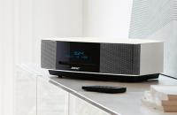 Sisteme audio wave BOSE ofera o gama variata de sisteme audio. Acestea au fost gandite pentru a oferi sunet profund, natural, in spatii mai mari sau in exterior.