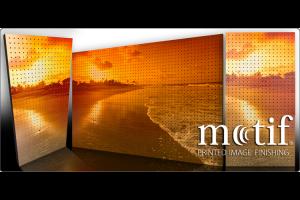 Finisaje imprimante pentru panouri acustice Motif reprezinta un finisaj grafic prin imprimarea unei imagini pe material textil sau lemn. Va provocam imaginatia, alegeti finisajul pe care il doriti pentru orice spatiu, in orice culoare.