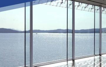 Sticlă cu protecţie solară, izolatie termica și aspect neutru SAINT GOBAIN