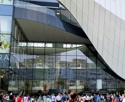 Prelucrare sticla fatada vitrine interioare si balustrade Mega Mall Bucuresti Mega Mall Bucuresti Prelucrare sticla fatada