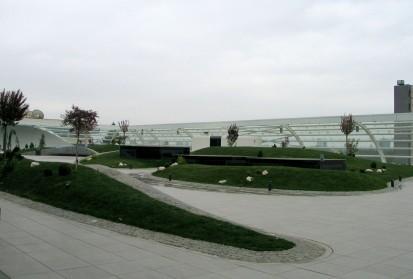 Terasa Promenada Mall - sticla securizata curba prindere in sistem tip Spider Mall Promenada Prelucrare sticla
