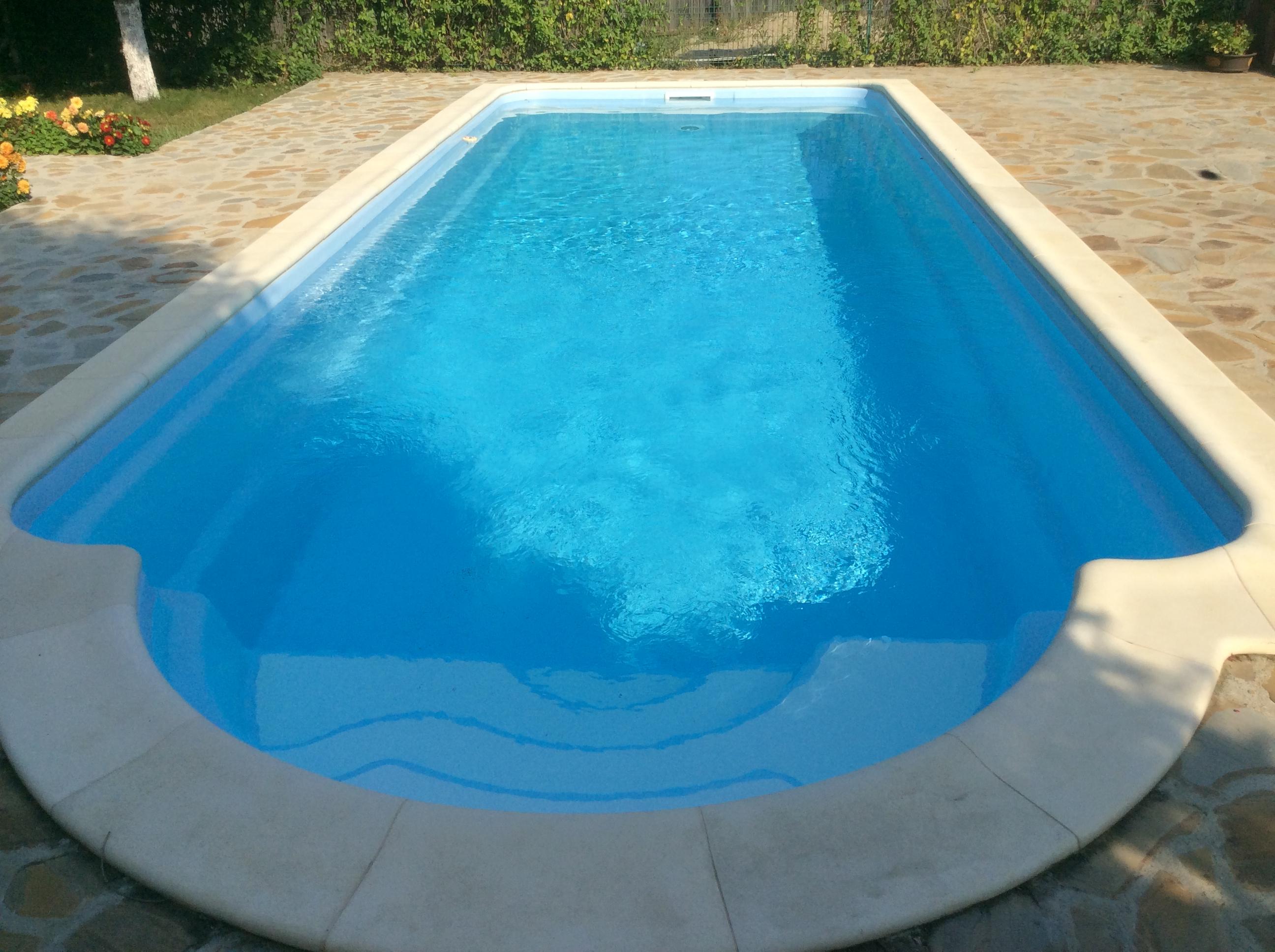 Prezentare produs piscina roma lungime 9 7 m stefani for Piscina roma