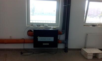 Unitate de ventilatie - vedere din fata DUPLEX EASY Ventilatie vestiare, stadion de Rugby
