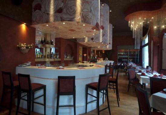 Design interior, pictura murala in restaurante, baruri si cafenele LET'S ART