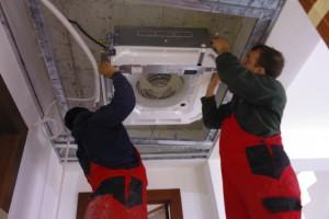 Montaj instalatii de climatizare si recuperare de caldura Ciupirom Instal isi propune sa vina in sprijinul clientilor cu cele mai bune solutii pentru instalatii de climatizare si recuperare de caldura.