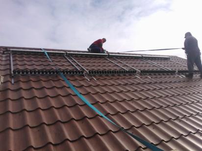 Montaj panouri solare cu tuburi vidate / Montaj panouri solare cu tuburi vidate 7