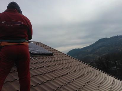 Montaj panouri solare cu tuburi vidate / Montaj panouri solare cu tuburi vidate 11