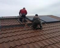 Montaj panouri solare Cu un portofoliu de peste 20 de instalatii de panouri solare montate Sc