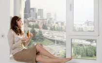 Ferestre din profile PVC IDEEAMAX CONSTRUCT ofera o gama variata de ferestre din profile PVC Rehau, cu feronerie ROTO sau Maco si 2 variante de sticla SAINT-GOBAIN GLASS.