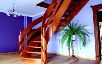 Scari, vanguri din lemn Scarile din lemn STAIRS DESIGN se integreaza perfect in designul clasic si modern. Scarile din lemn sunt realizate manual in mare masura, adaugand valoare casei.