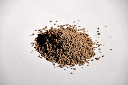 Granule termoplastice pentru umplerea gazonului sintetic - ECOFILL Maro MONDO - Poza 7