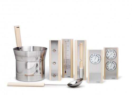 Prezentare produs Set de accesorii produse din aluminium cu detalii din lemn de culoare deschisa 1 TYLO - Poza 3