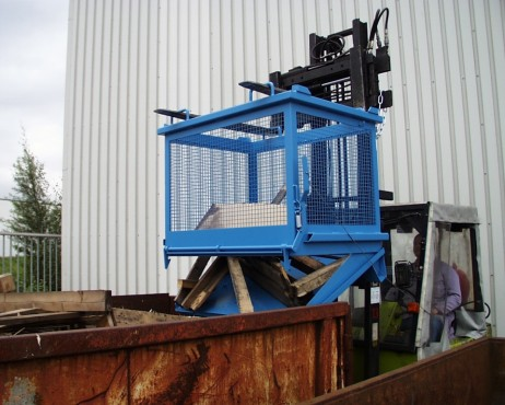 Prezentare produs Container basculant cu zabrele TIP SB-G 1000 BAUER - Poza 3