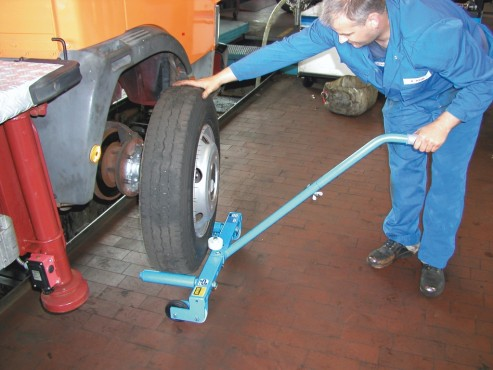 Prezentare produs Echipament de montat anvelope TIP RM BAUER - Poza 6