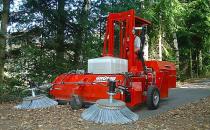 Masini de maturat Masinile de curatat Sweeping Fox de la Grunig ofera capacitate mare de colectare a deseurilor, acoperind arii foarte mari pentru o curatenie de top.