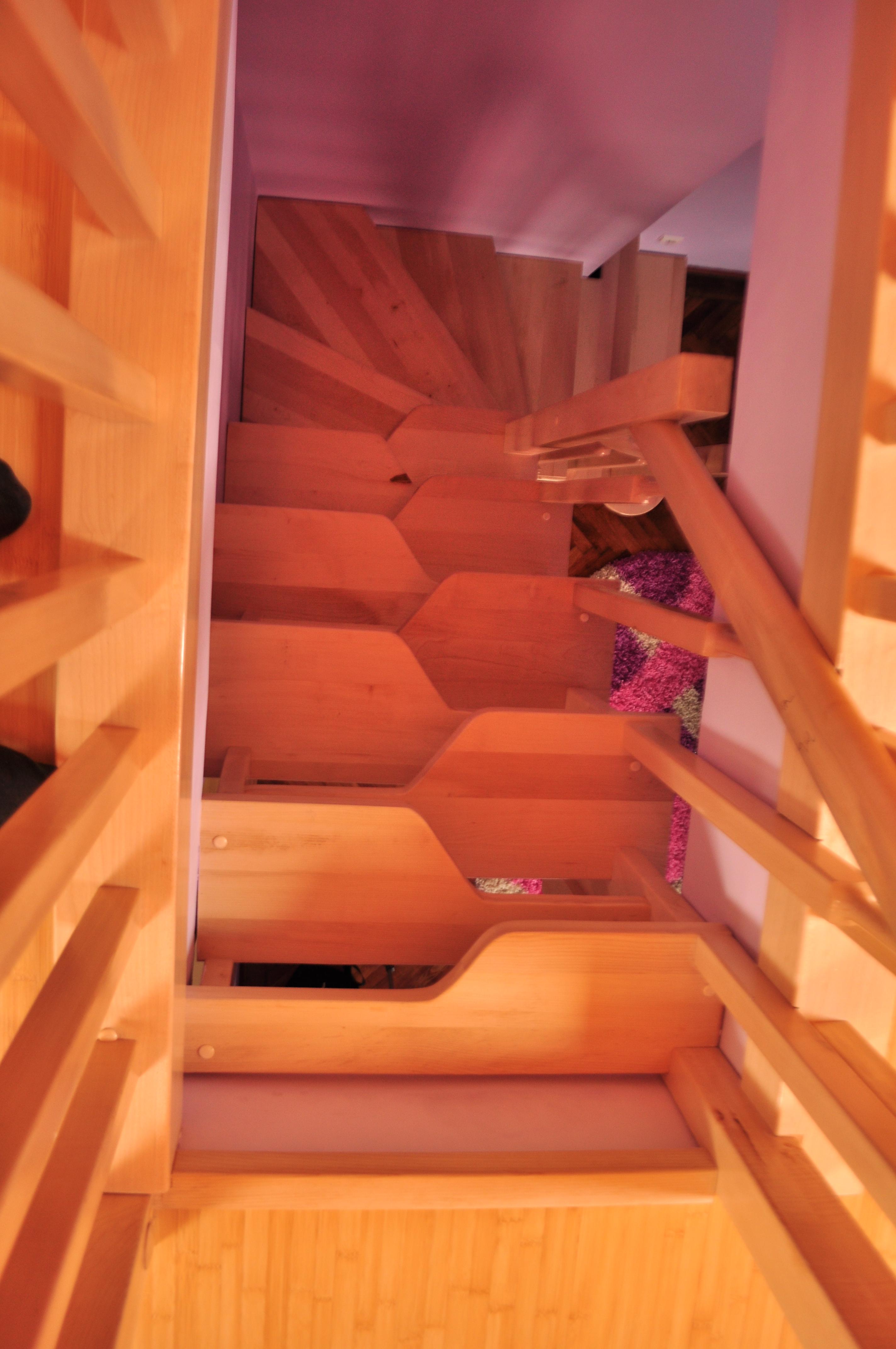 Scari interioare din lemn - Realizate la comanda TURSO HOLZ - Poza 5