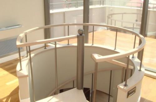 Prezentare produs Scara rotunda pe structura metalica placata cu lemn - TURSO HOLZ TURSO HOLZ - Poza 3