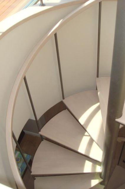 Scara rotunda pe structura metalica placata cu lemn - TURSO HOLZ TURSO HOLZ - Poza 2