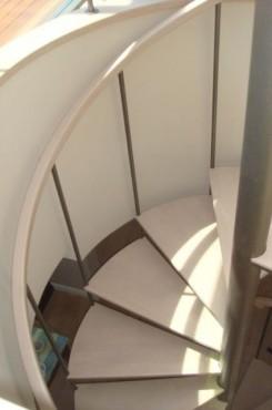 Prezentare produs Scara rotunda pe structura metalica placata cu lemn - TURSO HOLZ TURSO HOLZ - Poza 2