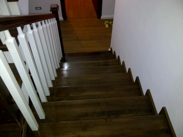 Placare cu lemn masiv - Scara din beton dreapta 1 TURSO HOLZ - Poza 4