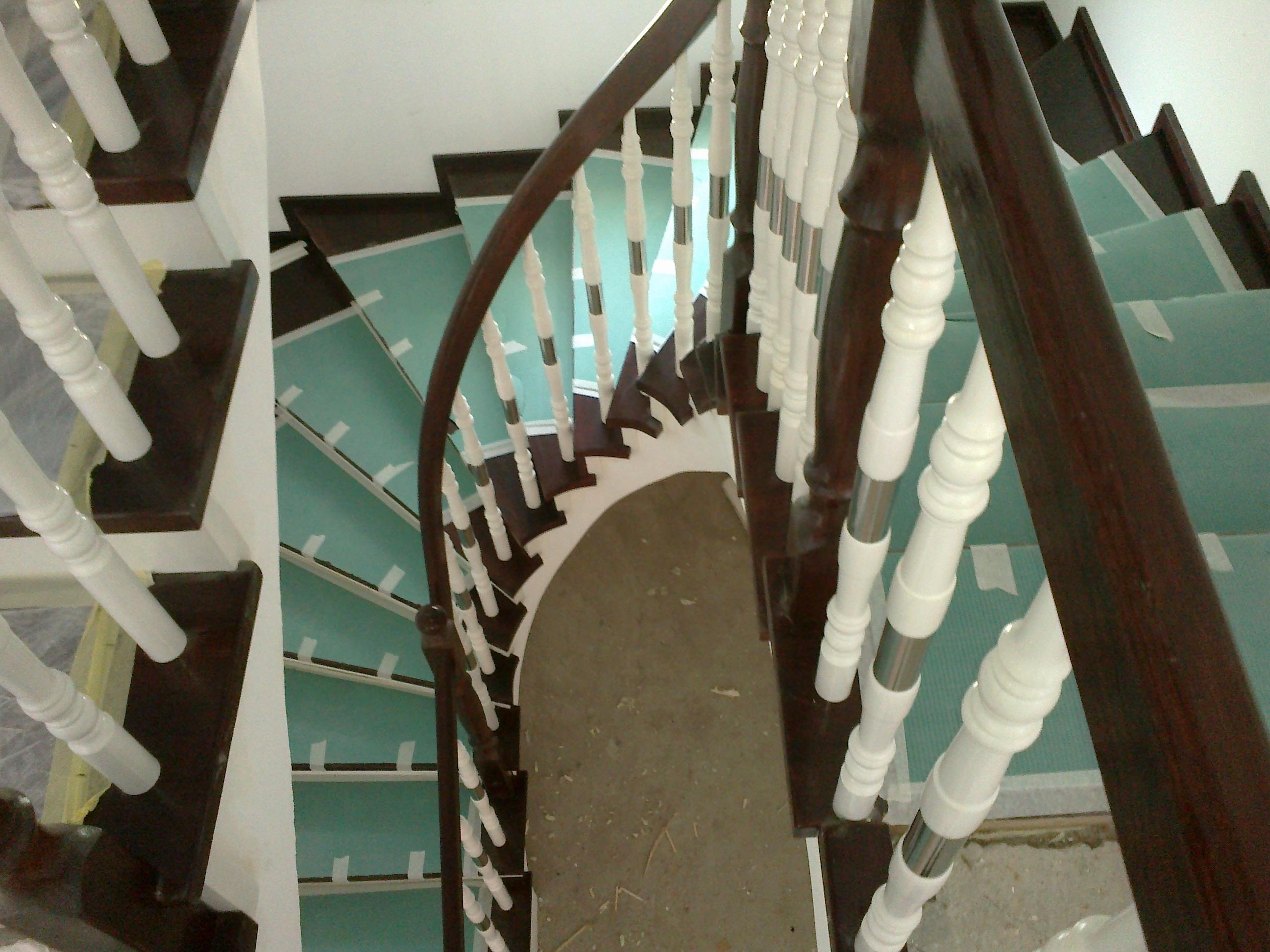 Trepte si Balustrada din lemn - Scara din beton realizata pe curb 1 TURSO HOLZ - Poza 12