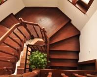 Placari cu lemn pentru scari din beton TURSO HOLZ ofera elemente de placare cu lemn pentru