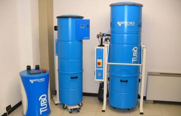 Sistem centralizat de aspirare pentru uz industrial Sistemul centralizat de aspirare TUBO este solutia potrivita pentru curatarea spatiilor industriale/comerciale. Este prevazut cu sistem de auto-curatare si poate avea mai multi utilizatori simultani.