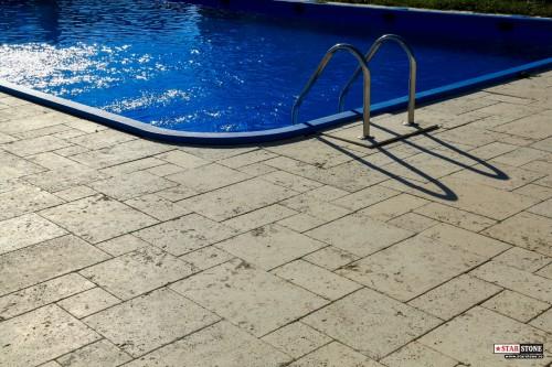 Exemple de utilizare dale de pavaj modular din travertin for Amenajari piscine