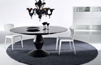 Mobilier dinning Ciacci ofera patru interpretari diferite de design interior care impartasesc filozofia lui Piero Ciacci mentinuta de la primii pasi in lumea designului de mobilier si pe care a transmis-o celor doi copii care ii continua misiunea.