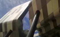Casete decorative pentru fatade Sisteme de placari pentru fatade drepte si curbe cu casete din aluminiu compozit Reynobond®, tabla din aluminiu Reynolux® si panel din doua foi de aluminiu, Reynodual®.