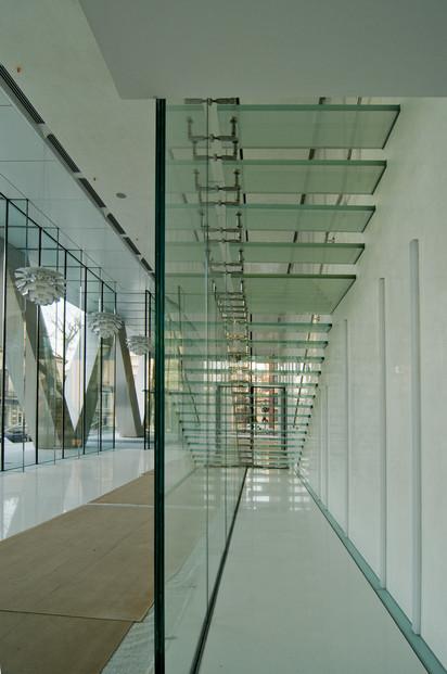 Procesare sticla exterior si interior Cathedral Plaza Bucuresti Cathedral Plaza Procesare sticla exterior si interior