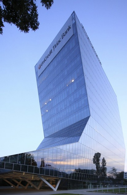Sediu Unicredit Bank Bucuresti Unicredit Bank Pereti structurali in plan inclinat
