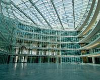 Prelucrare sticla arhitecturala Gama de produse realizate de Spectrum ne recomanda pentru cei interesati in realizarea