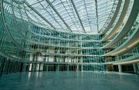 Prelucrare sticla arhitecturala Gama de produse realizate de Spectrum ne recomanda pentru cei interesati in realizarea unor lucrari cu design modern, eficienta termica si siguranta maxima.