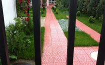 Pavaje, dale mozaicate Dalele Megan Construct sunt excelente pentru diferite amenajari interioare si exterioare, sunt foarte rezistente la frecare si au viata prelungita in timp.