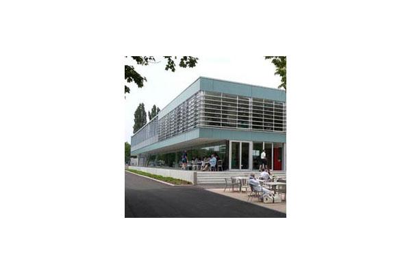 Placaje HPL pentru fatade ventilate - Proiectul Clubhouse Tennis Club Strassbourg, Franta TRESPA - Poza 1