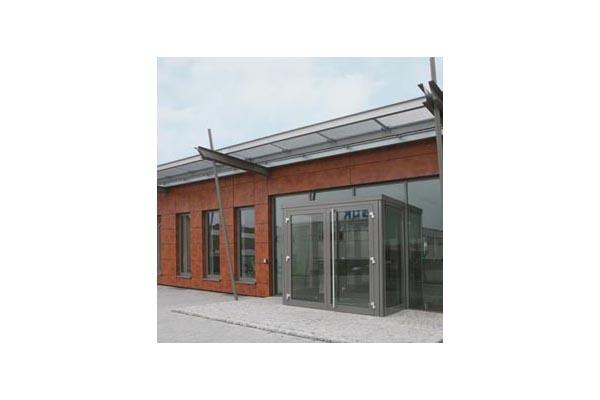 Placaje HPL pentru fatade ventilate - Proiectul Office Building Fa. GUK Wellendingen, Wellendingen, Germania TRESPA - Poza 9