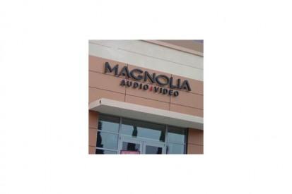 us0309005_tcm31-22792 METEON Placaje HPL pentru fatade ventilate - Proiectul Retail Magnolia Hi-Fi, SUA