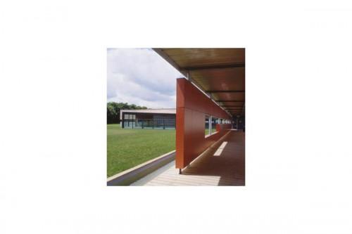 Lucrari de referinta Placaje HPL pentru fatade ventilate - Proiectul School UFRAPS de Poitiers, Franta TRESPA - Poza 2