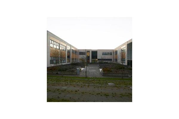 Placaje HPL pentru fatade ventilate - Proiectul Stockley Academy, Uxbridge, Anglia TRESPA - Poza 2
